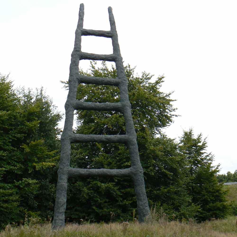 Armando De Ladder